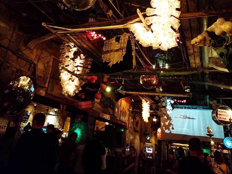 ruin-pub-budapest