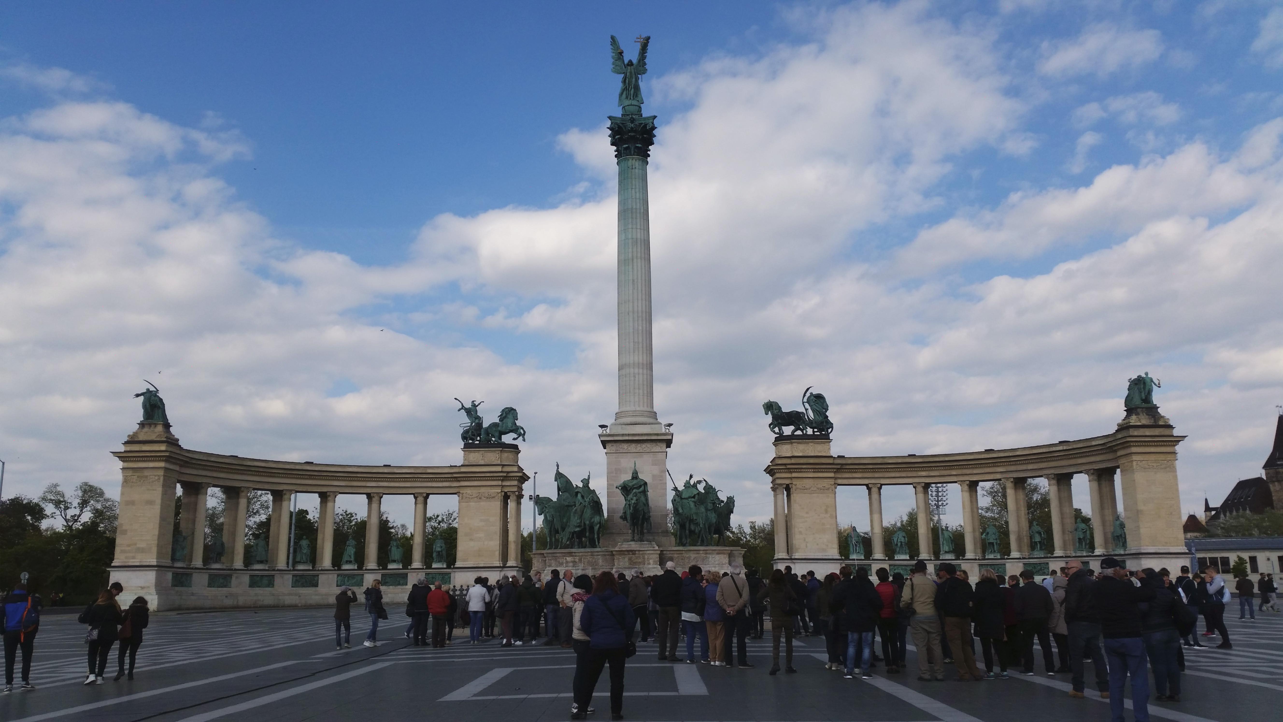 piazza eroi budapest