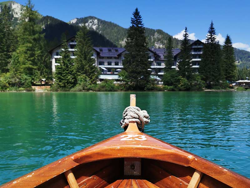 lago-di-braies-giro-lago