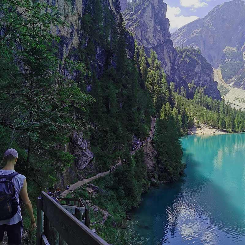lago-di-braies-sentiero