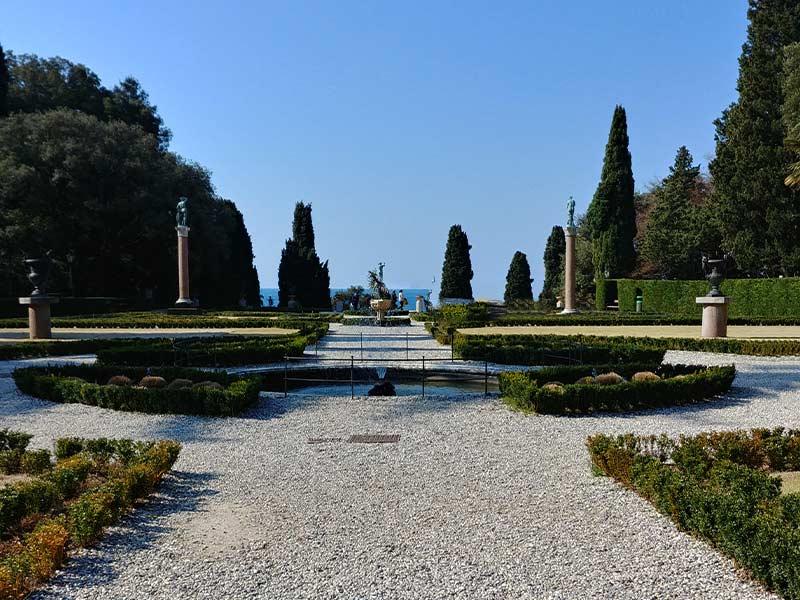 giardini-castello-miramare-trieste