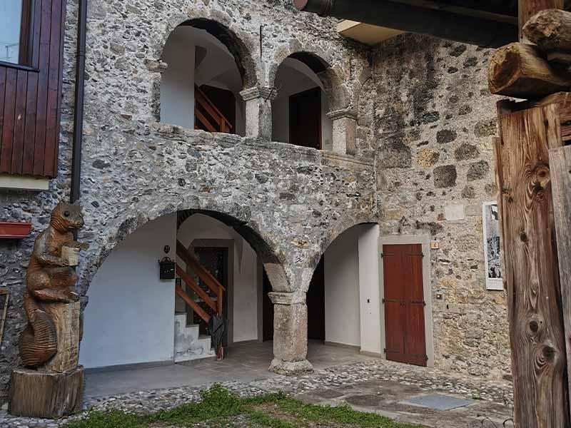borgo-sutrio-albergo-diffuso
